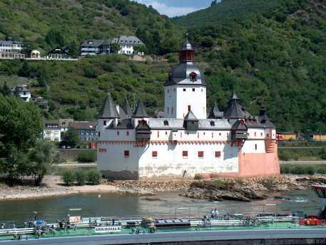 chateau de Pfalz sur le rhin