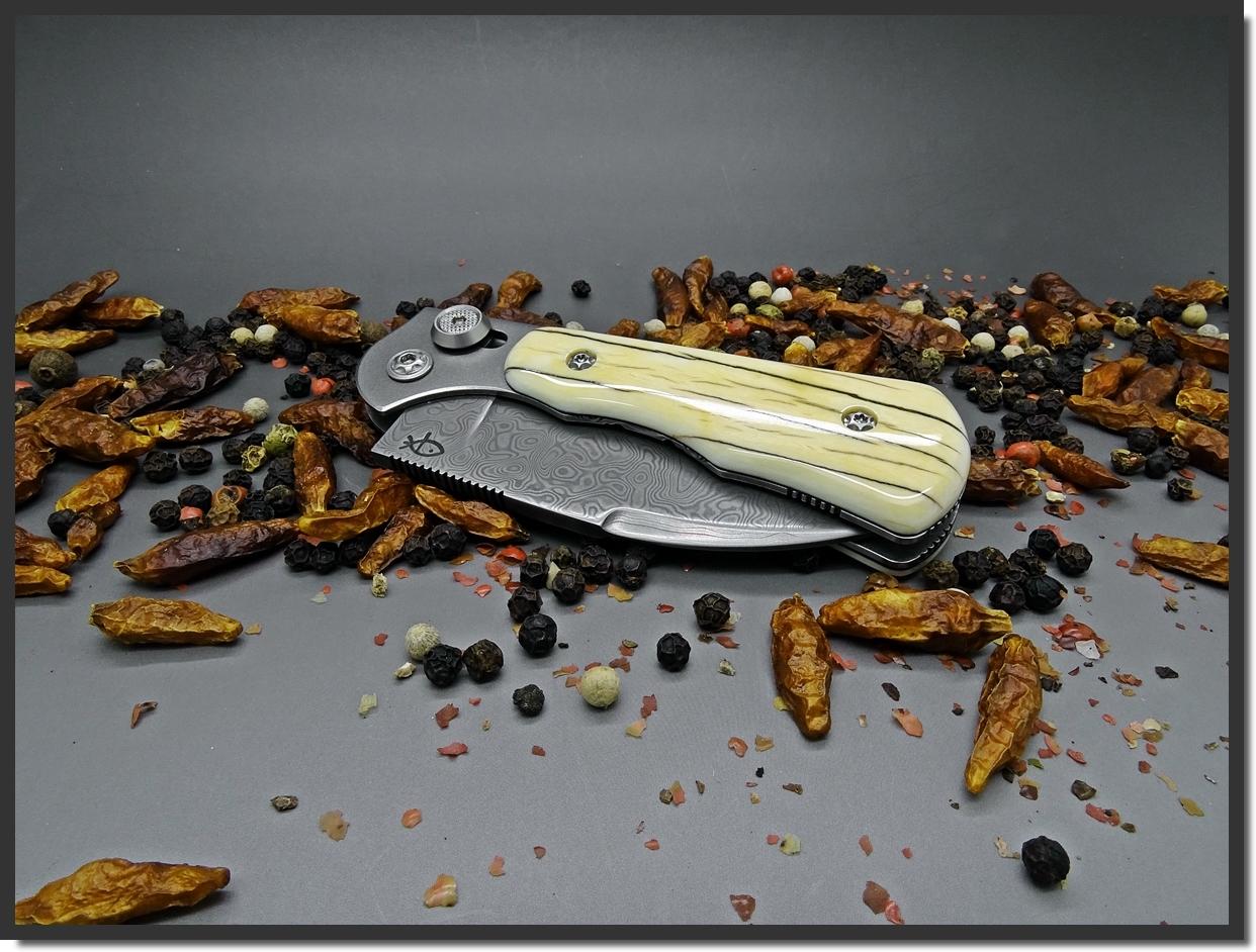 La vitrine aux couteaux... - Page 39 DhKAXN4hKGB3TeDTl-32542kMzk
