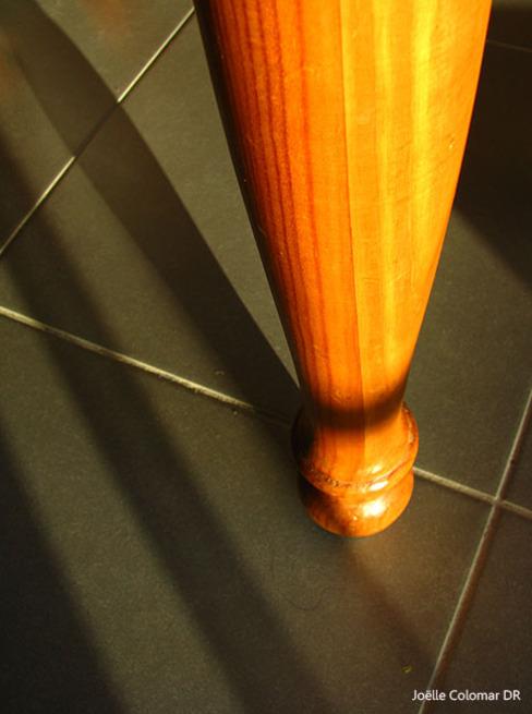 A cloche pied