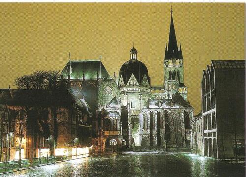 Aachen bei Nacht und regen