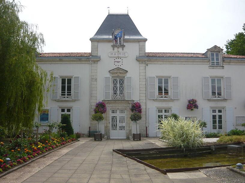 Mairie d'Aytré.JPG