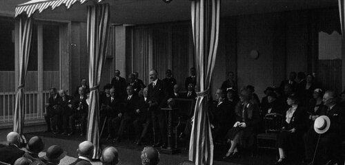 Infirmières parisiennes  1900-1950. 1932 Inauguration de l'école des infirmières par M. Lebrun discours de M. Lebrun