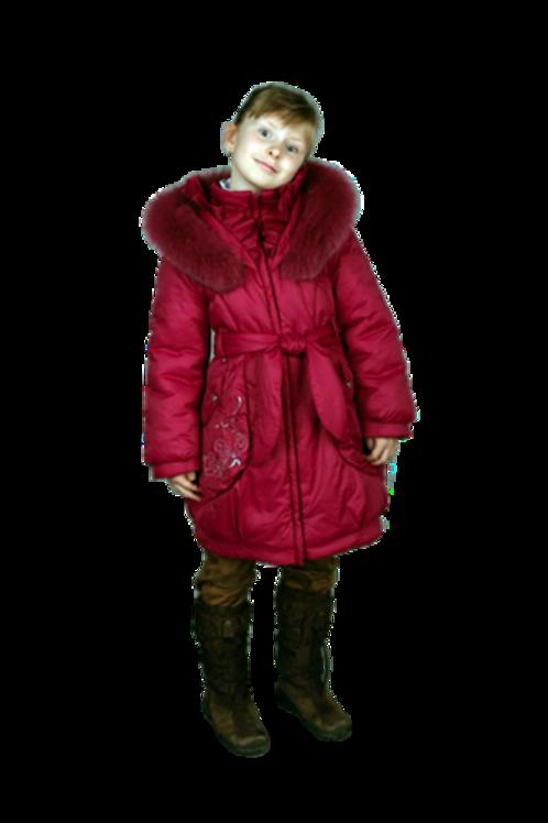 Enfants vétus en tenues  d'hiver