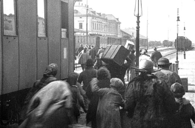 La ville sans Juifs (image du film autrichien prémonitoire, Die Stadt ohne Juden, d'Hans Karl Breslauer, sorti en 1924