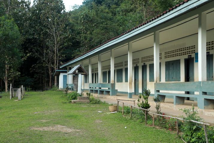 Ecole de Hat Sa village de pêcheurs laos