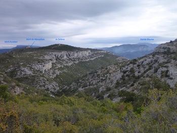 Le panorama en montant au puits de l'Aroumi