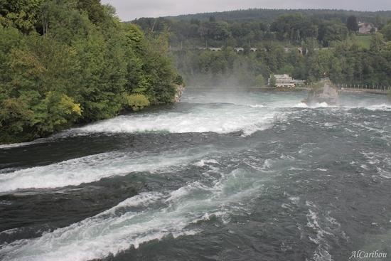 L'eau, ça coule (Rheinfall)
