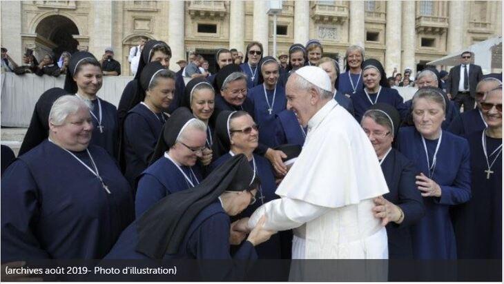 Institution d'une nouvelle commission sur le diaconat féminin - VA