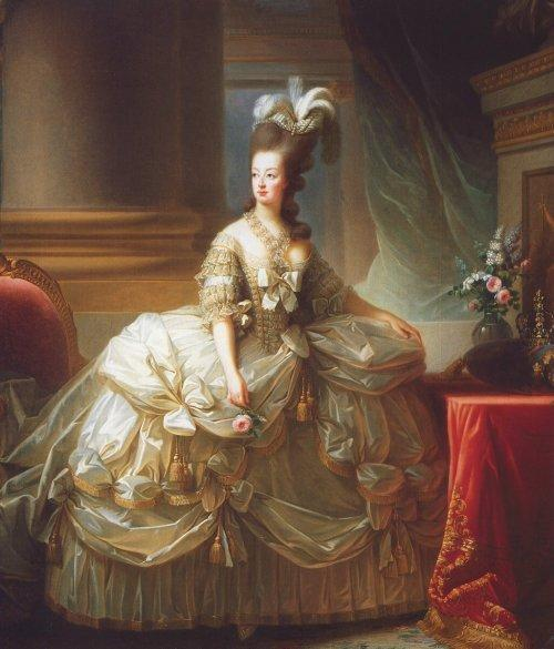 La MODE de la COIFFURE, des PERRUQUIERS au XVIIIè siècle - Jardin ...
