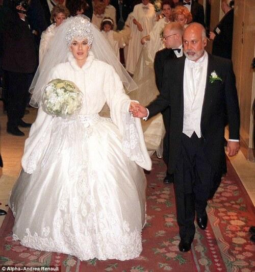 Quelles robes de mariée vintage d'époque devriez-vous acheter ?