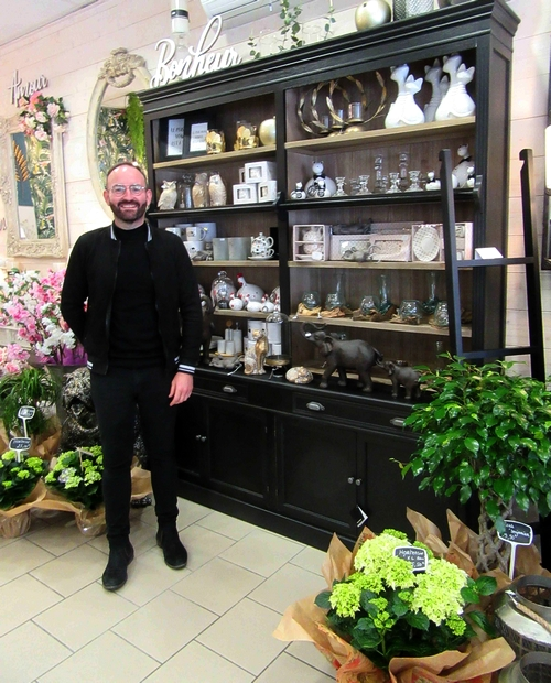 """""""Monsieur le Fleuriste"""" a ouvert une superbe boutique de fleurs, de décos, de senteurs et de décorateur d'événements  à Châtillon sur Seine...."""