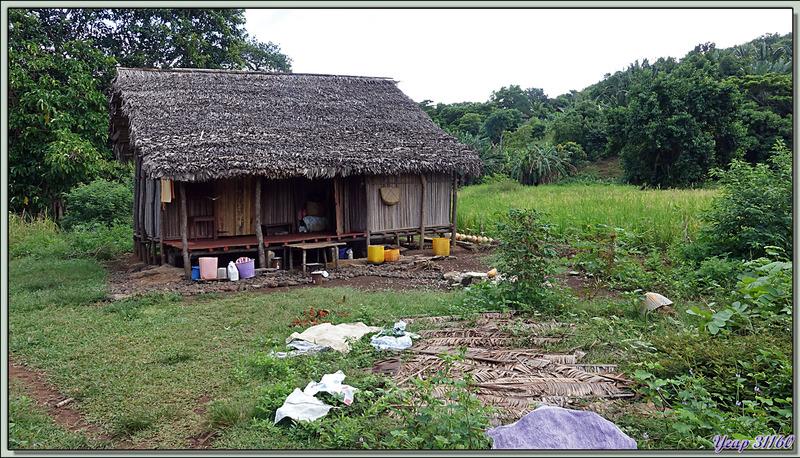 """Retour vers le lodge en passant par la """"banlieue"""" d'Antanabe - Nosy Sakatia - Madagascar"""