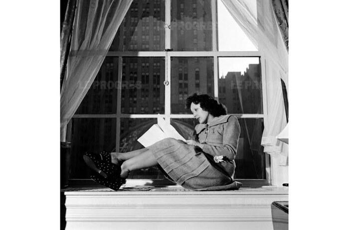 Edith Piaf aurait 100 ans aujourd'hui « Nous pouvons regretter toutefois que sa chanson *** Non, je ne regrette rien *** (1960) est devenue l'hymne des partisans de l'Algérie française