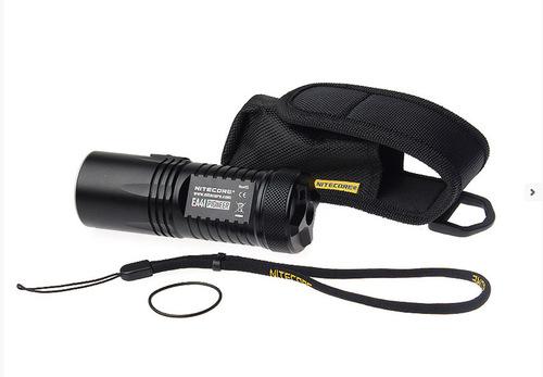 Une lampe torche performante; Nitecore EA41