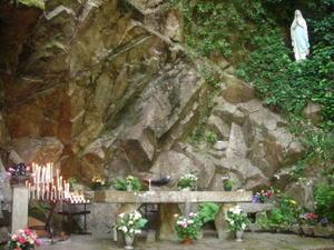Saint-Auvent, fontaine Notre-Dame de la Paix