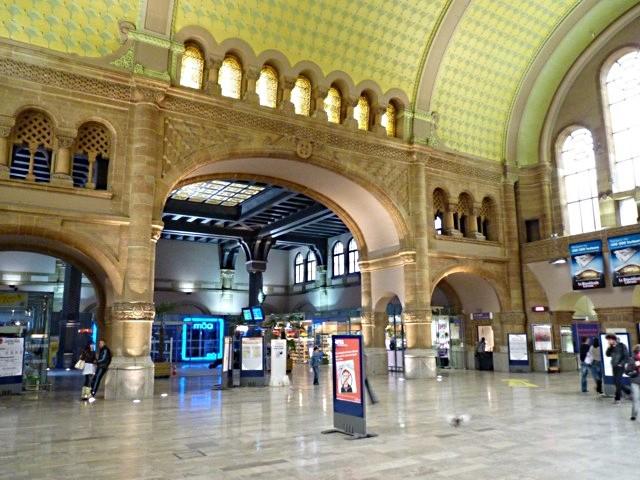 Gare de Metz Hall Départ - 29 05 10 - 31