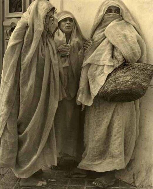 Femmes Tunisiennes 1900
