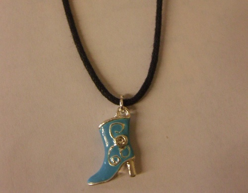 Collier country et sa santiag turquoise