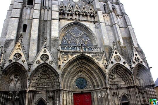 NORMANDIE : suite Cathédrale de BAYEUX 3/4