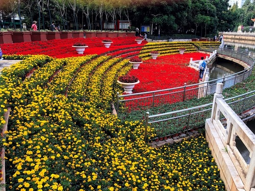 le parc fleuri du lac d'émeraude à Kunming