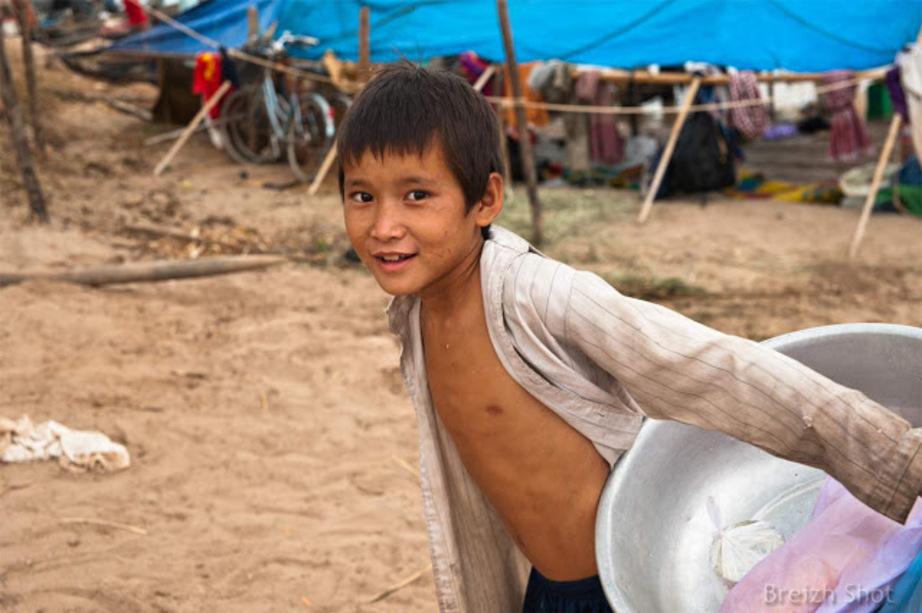 Portraits Cambodgiens : Enfant de pêcheur, marché aux poissons