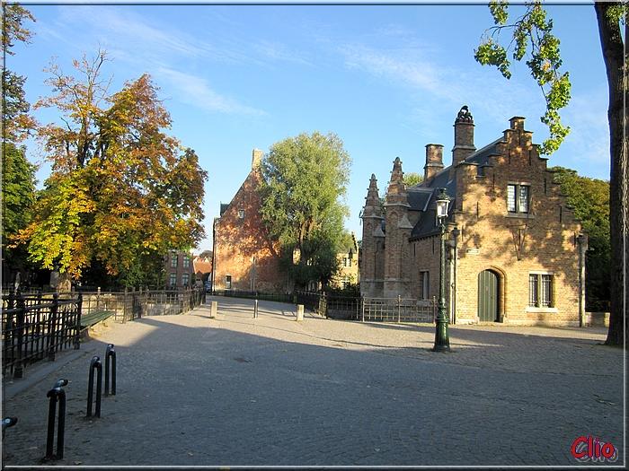Bruges - Le Minnewater - Bastions de la ville ancienne