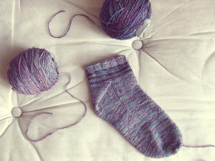 Tricoter des chaussettes, les techniques faciles pour débutants (et sans couture)