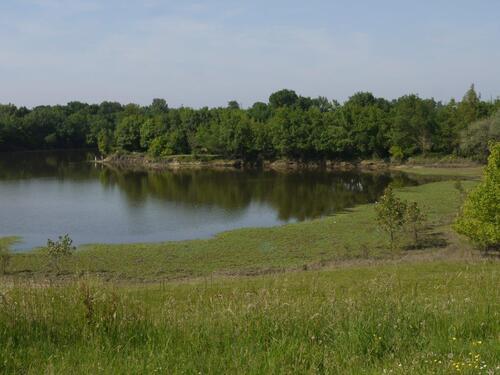 Lac L'estey depuis la piste cyclable