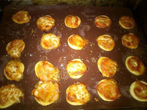 Apéro dînatoire du 20/11/14: partie 1 : des mini pizza feuilletées toute simple