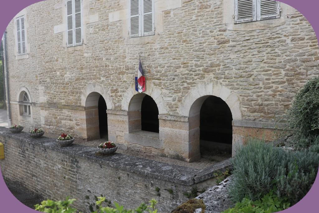 LE MEIX MAIRIE LAVOIR (CÔTE D'OR)