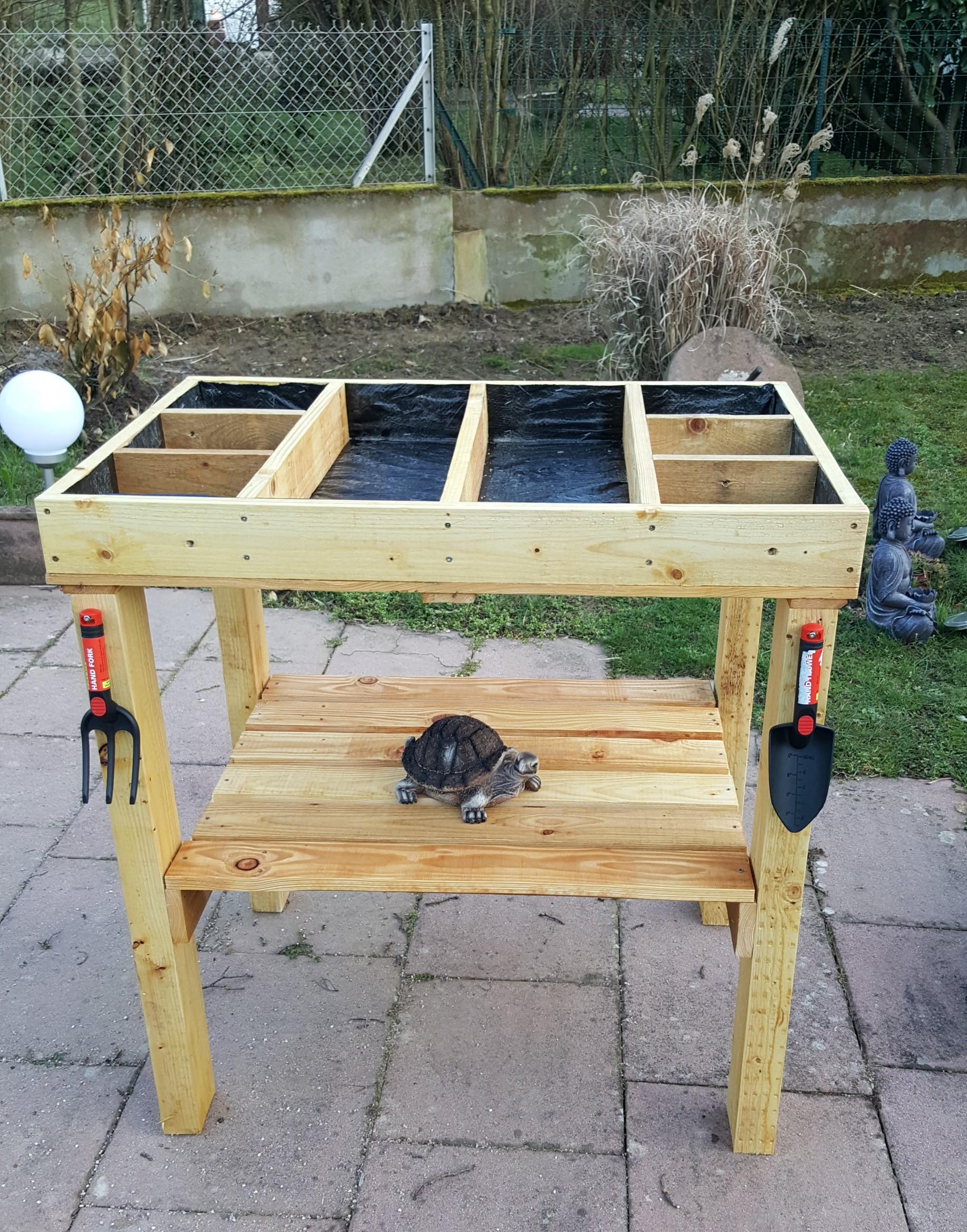 table table de jardin suspendue meilleures id es pour la conception et l 39 ameublement du jardin. Black Bedroom Furniture Sets. Home Design Ideas