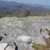 Croix surmontant un cercle au sommet de Gurutzetako Harmasa (884 m)