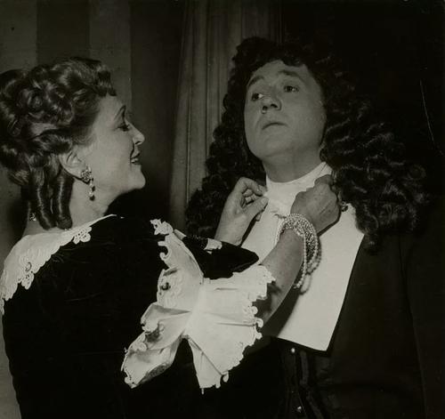 """Jean Richard dans """" Tartuffe """" en 1955"""