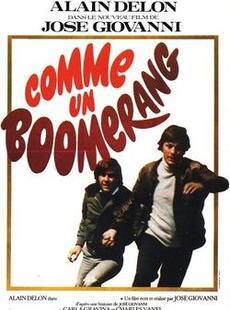 Comme un boomerang :  Un jeune drogué tue un policier. Pour le sauver son père met en jeu sa position sociale. ... (1h 40min)