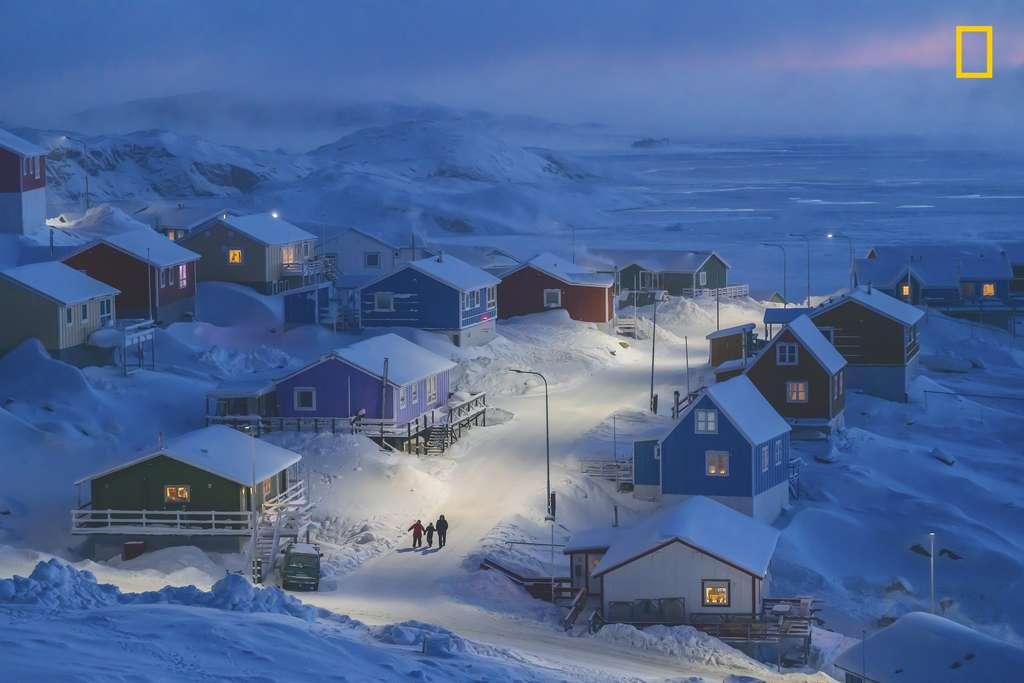 « L'hiver au Groenland », Grand Prix et 1er catégorie Ville. © Chu Weimin, 2019 National Geographic Travel photo Contest