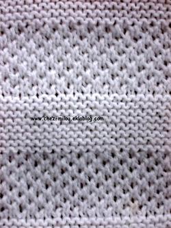 Points en relief au tricot