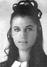 Printemps 1967 : la robe bleu ciel à col blanc !