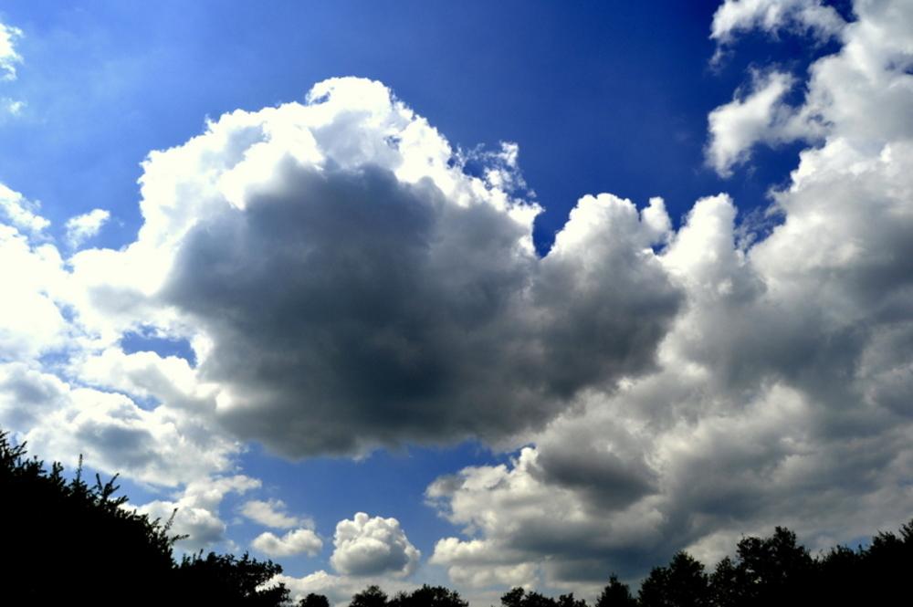 En-dessous des nuages