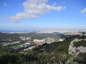 Vue sur Luminy et Marseille
