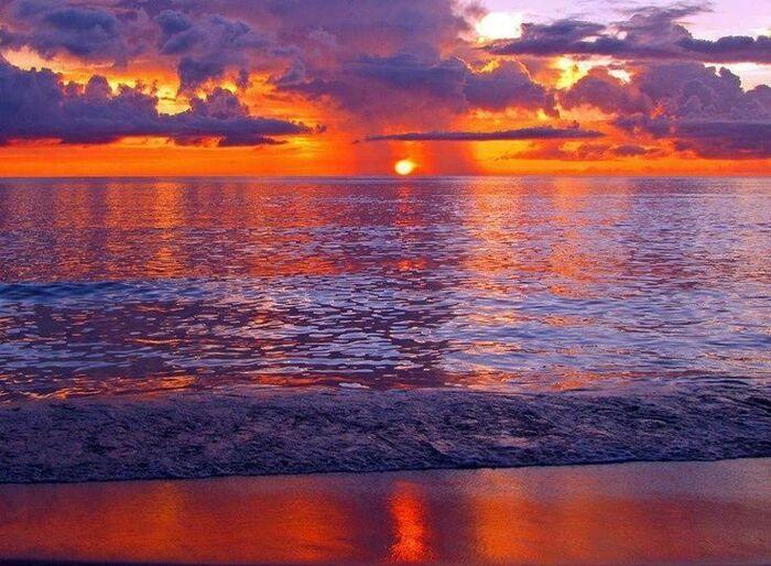 Beau coucher de soleil dans le monde.......-Beautiful Sunset in the world