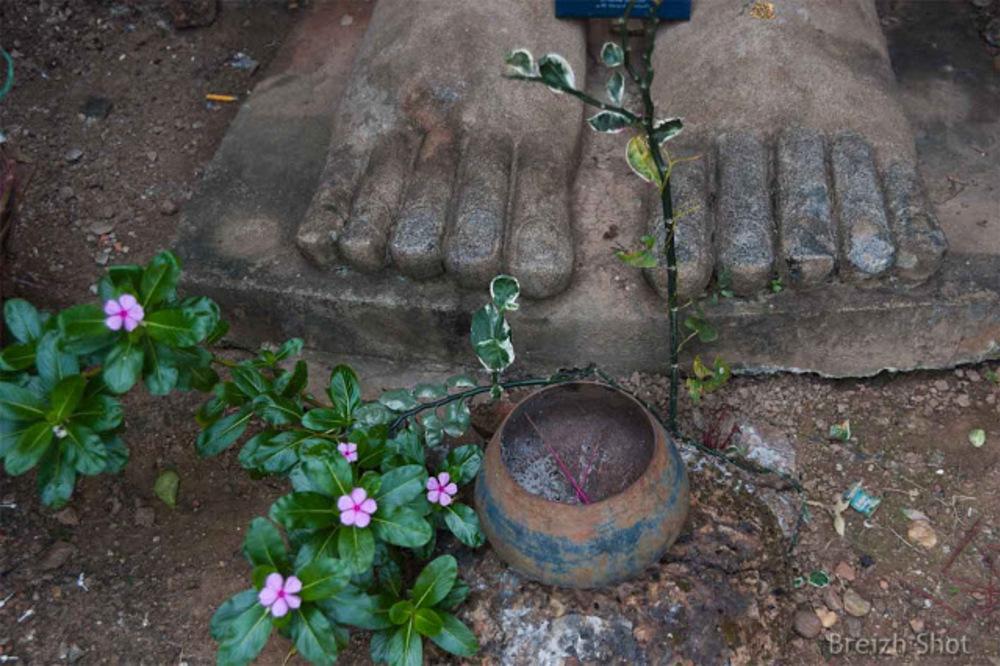 Wat Phra si Rattana Maha That Chaliang - Les pieds d'un bouddha