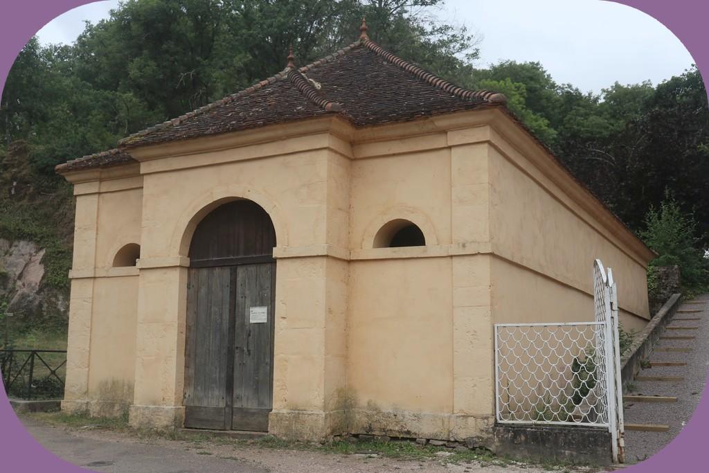 SEMUR EN AUXOIS (CÔTE D'OR) 2° LAVOIR