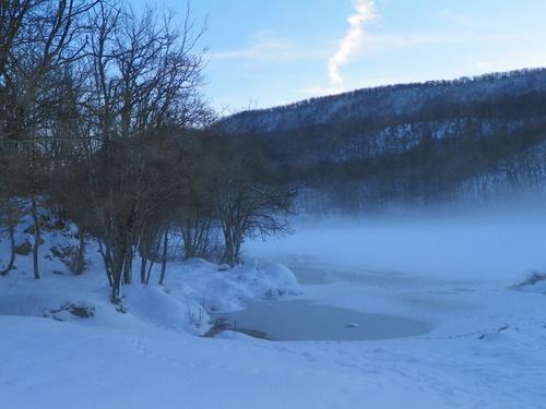 Le lac d'Ambléon un soir d'hiver