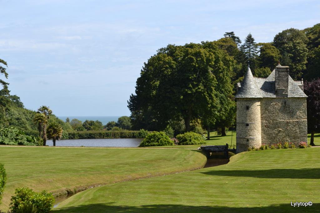 Le château de Nacqueville.