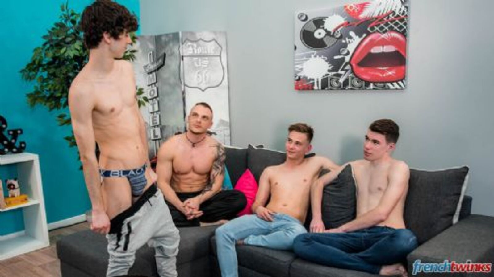 FRENCHTWINKS 240818-10