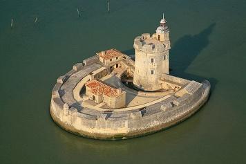 Forts de France ...