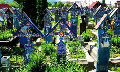 Roumanie : le cimetière joyeux de Sapanta