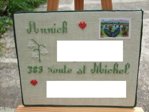 Carte postale brodée