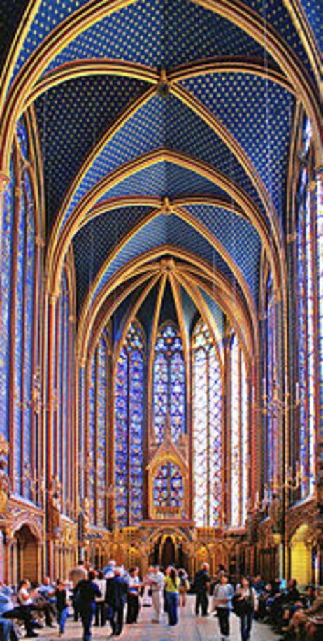 Sainte-Chapelle à Paris. (4ième de la série des 50 belles églises dans le monde)