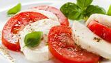 http://p0.pic.akm.vodst.com/23710/23710.recette-une-salade-de-tomates-et-mozzarella.w_1280.h_720.m_zoom.c_middle.ts_1387359021..jpg